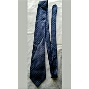 Calvin Klein Blue Geometric Silk Classic Neck Tie.